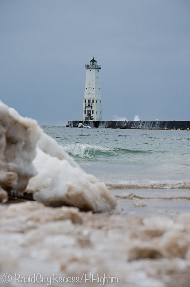 shore ice and Frankfort Lighthouse-2